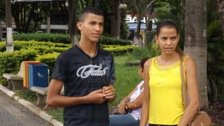 Maicon e Thaís relatam o drama de encontrar as portas fechadas porque não possuem experiência profissional