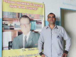 Diretor adjunto Carlos Roberto Aparecido Ramos.
